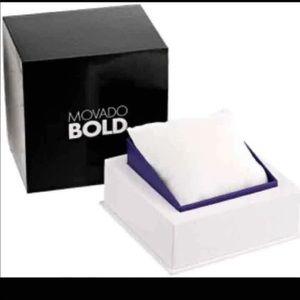 Macado bold box